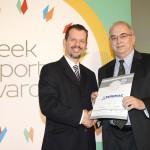 Silver βραβείο στην κατηγορία Top Industrial Company παραλαμβάνει ο κ. Στέλιος Πολυχρονιάδης, Διευθυντής Εξαγωγών της εταιρείας EURIMAC A.E. από τον κ. Γεώργιο Τοσούνη, Σύμβουλο ΟΕΥ Α' & Διευθυντή Β8 Δ/νσης Επιχειρηματικής Ανάπτυξης, Υπουργείο Εξωτερικών
