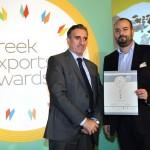 Silver βραβείο στην κατηγορία Top Services Company παραλαμβάνει ο κ. Δημήτριος Ματσάκης, Managing Director της εταιρείας P.L.A.N. Europe Ltd από το Νίκο Πορφύρη, Αναπληρωτή Επιτελικό Διευθυντή Ομίλου Χρηματιστηρίου Αθηνών