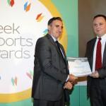 Silver βραβείο στην κατηγορία Top Services Company παραλαμβάνει ο κ. Κωνσταντίνος Φλώκος, Managing Director της εταιρείας UPCOM ΕΠΕ από το Νίκο Πορφύρη, Αναπληρωτή Επιτελικό Διευθυντή Ομίλου Χρηματιστηρίου Αθηνών