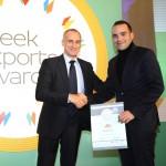 Silver βραβείο στην κατηγορία Top Export Assistance Company παραλαμβάνει ο κ. Κανδύλης Μαρίνος Αντιπρόεδρος της εταιρείας OLYMPIAS από τον κ. Τζανέτο Καραντζή, Πρόεδρο της Ένωσης Διπλωματικών Υπαλλήλων Οικονομικών και Εμπορικών Υποθέσεων
