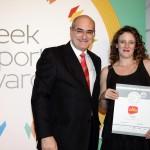 Silver βραβείο στην κατηγορία Top Branded Export Product παραλαμβάνει η κα. Κατερίνα Κουκουτάρη, Διευθύντρια Marketing της εταιρείας «ALFA» - ΑΘΑΝΑΣΙΟΣ ΚΟΥΚΟΥΤΆΡΗΣ Α.Ε. από το Γιώργο Φλέσσα, Πρόεδρο και Δ/νων Σύμβουλο της CIVITAS