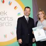 Silver βραβείο στην κατηγορία Top Industrial Company παραλαμβάνει η κα. Χριστίνα Θανασούλια, Οικονομική Διευθύντρια της εταιρείας HELESI S.A. από τον κ. Γεώργιο Τοσούνη, Σύμβουλο ΟΕΥ Α' & Διευθυντή Β8 Δ/νσης Επιχειρηματικής Ανάπτυξης, Υπουργείο Εξωτερικών.